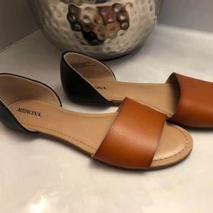 Merona Two Toned Black/Tan Flats Sz 7